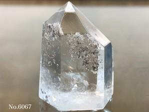ガーデン水晶ポイント 約20g No、6067