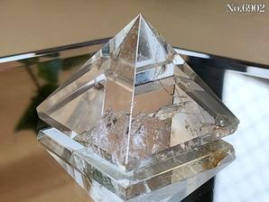 ヒマラヤ水晶ピラミッド 約30g No,6902