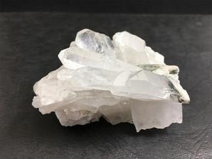 水晶クラスター(ガーデン、ファーデン)約130g No,3772