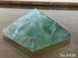 フローライトピラミッド No,6439