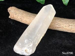 水晶ポイント(インド、プシュカル産)約210g No,6790    ログイン後の表示下代価格より30%OFFの大特価!